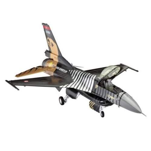 Macheta avion Revell F-16 C Solo Turk