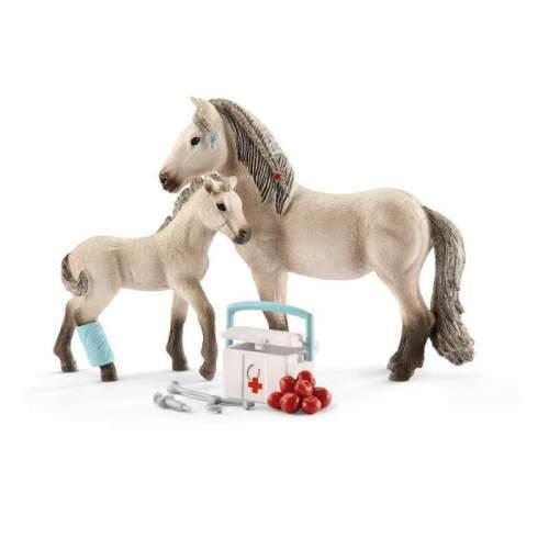 Figurina Schleich Trusa de Prim Ajutor si Calul islandez